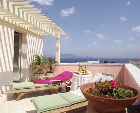 This Hotel and Restaurant is located on the gorgeous Island of Favignana,  featured by its turquoise large bays, beautiful beaches and suggestive coves
