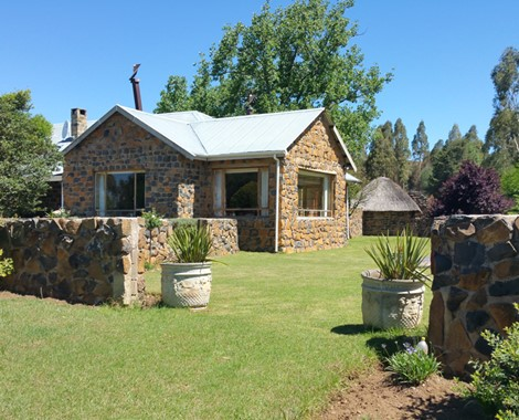 Nestled deep in the Southern Drakensberg Mountains, lies this lovely Guest Farm