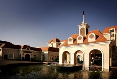 Historic Luxurious 4 Star Hotel on the banks of the Vaal River