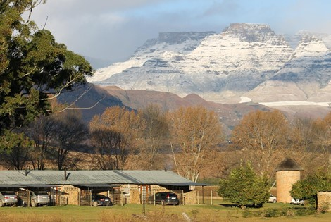 Welcome to our Guest Farm, our Enchanting Retreat in the Drakensberg Mountains